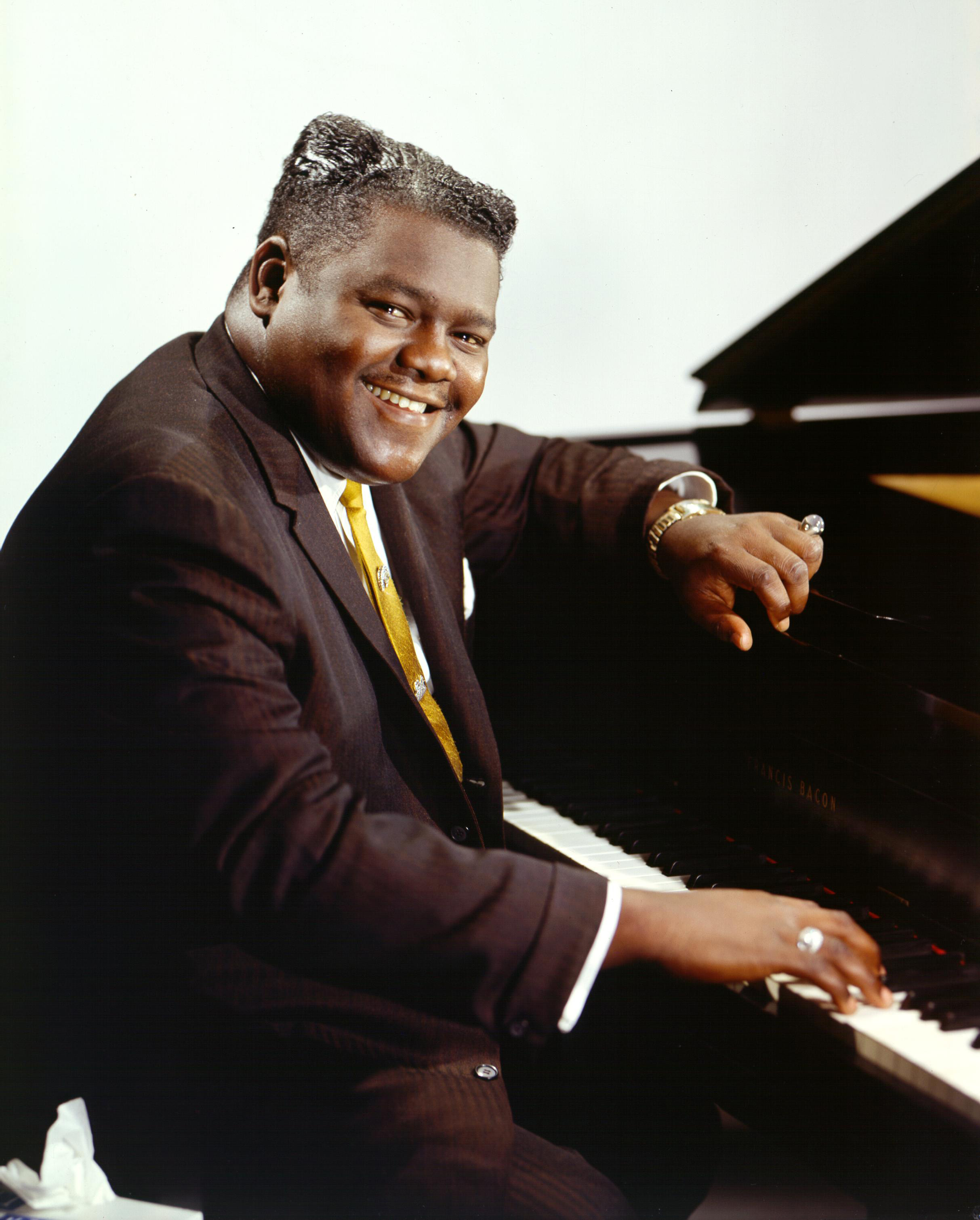02-Fats_at_Piano.jpg