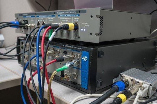 Audio-Precision-APx555-and-Audio-Precision-APx1701_SMALL_DSC09472.jpg