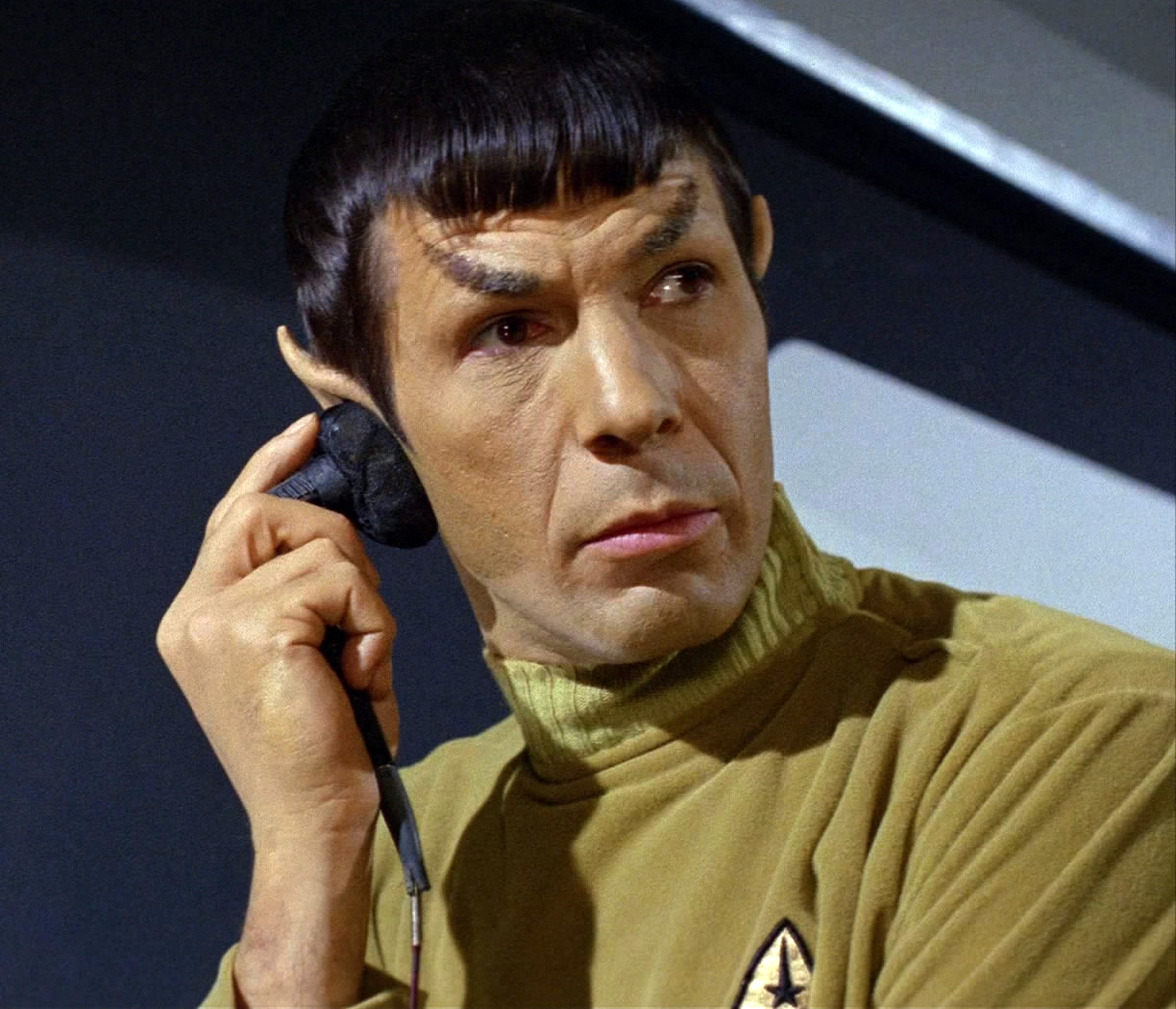 Spock_with_earpiece.jpg