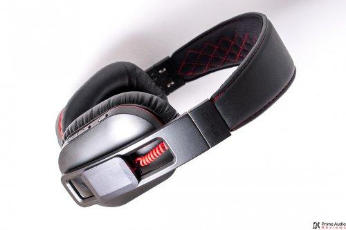 iDeaPLAY Bluetooth headphone side wide.jpg