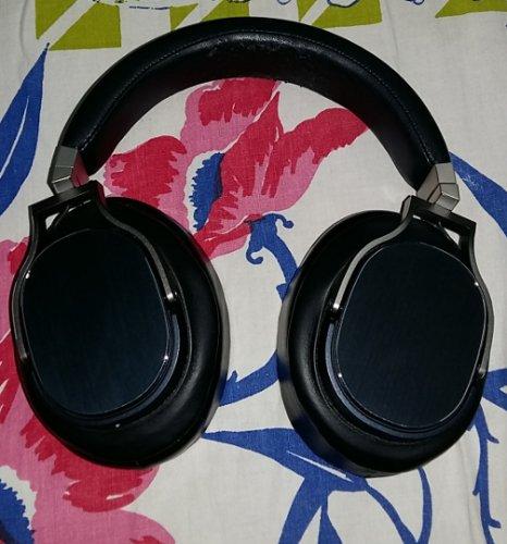 headphone3.jpg