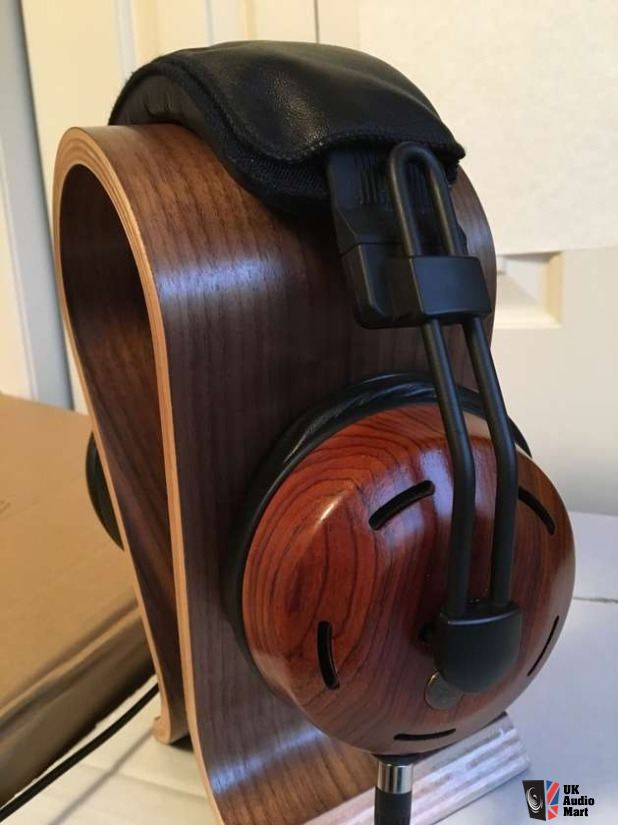 1403965-zmf-ori-limited-edition-cocobolo-headphones-with-upgrade-cable.jpg