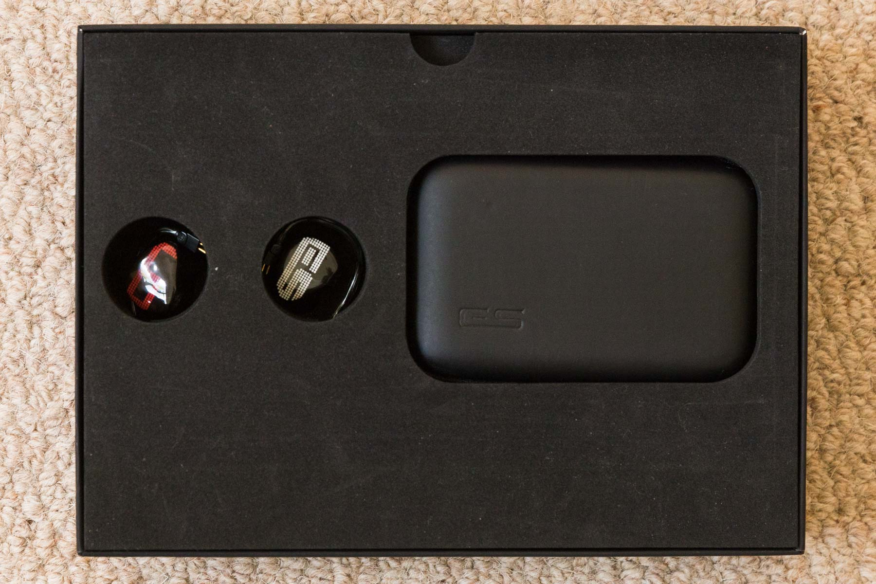 Earsonics S-EM9 earphonesEarsonics S-EM9_1.jpg