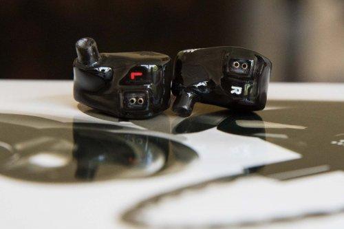 Earsonics S-EM9 earphonesEarsonics S-EM9_7.jpg