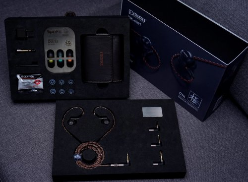4001_accessories.JPG