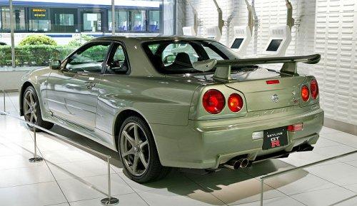 640px-Nissan_Skyline_R34_GT-R_Nür_002.jpg