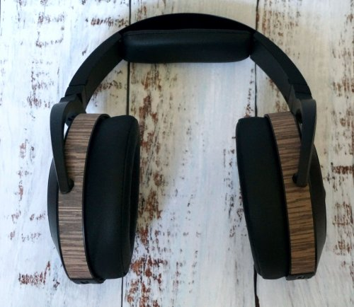 Audeze EL8 Closed_3.jpg