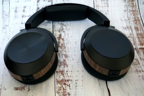 Audeze EL8 Closed_2.jpg