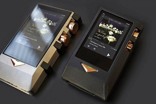 N8 Brass Black with Dignis 01sm.jpg