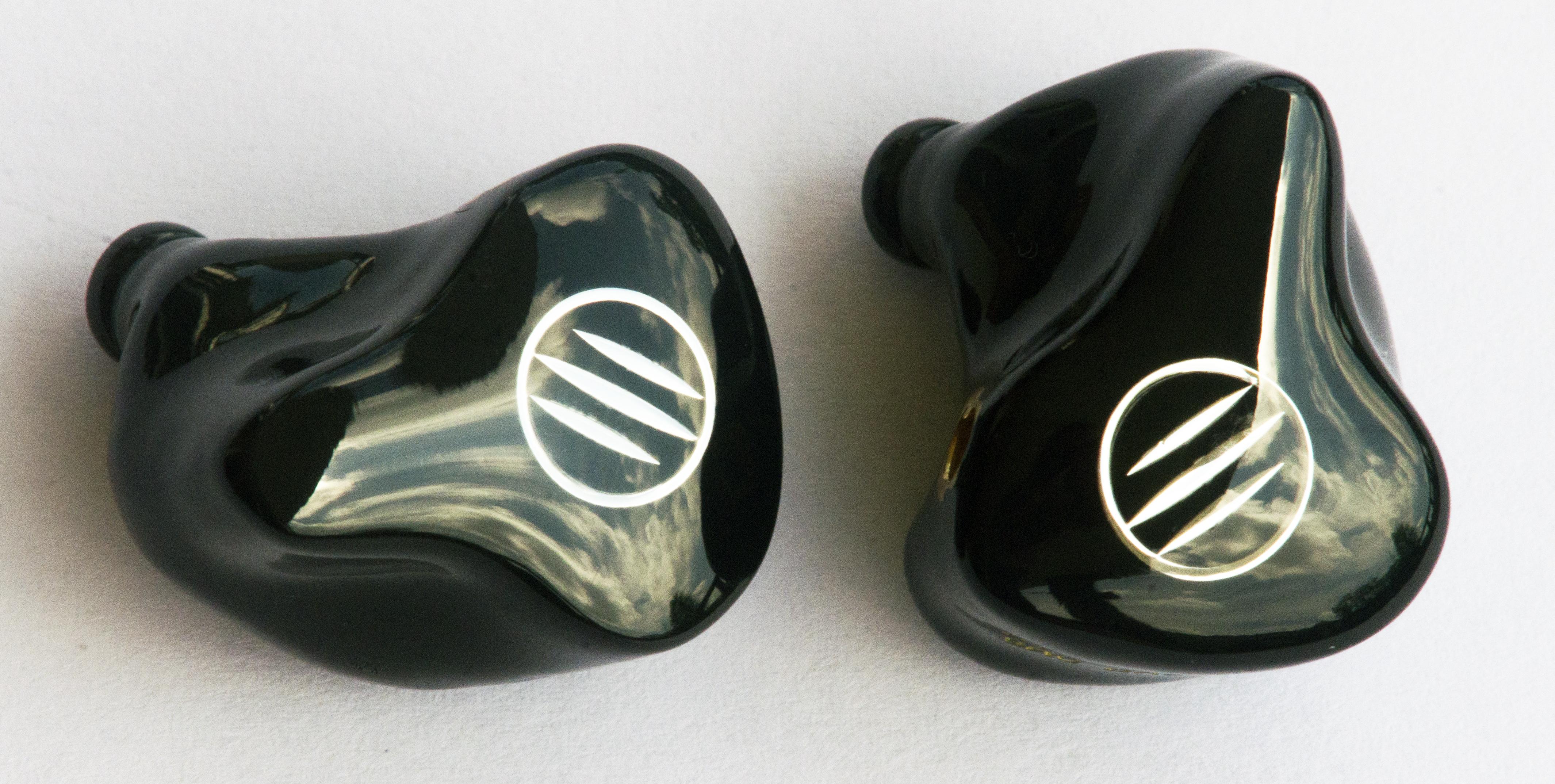 dh6 black.jpg