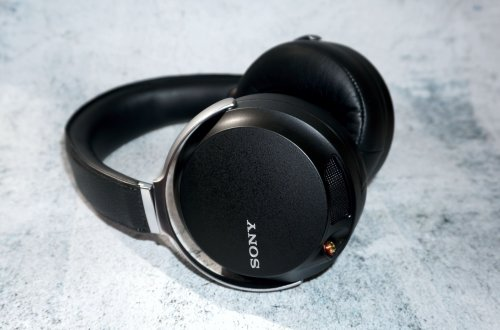 Sony MDR-Z7_1.jpg
