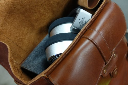 Neumann-NDH20_in_backpack.jpg