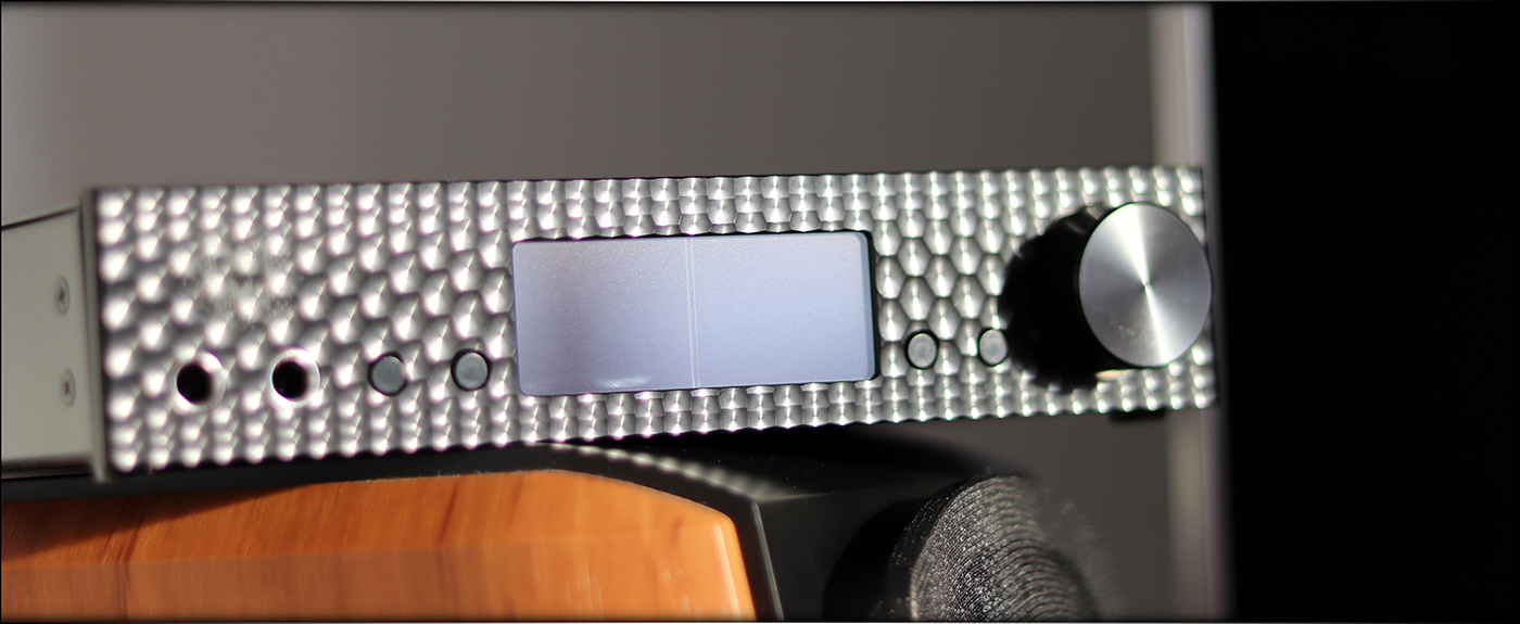 Mytek-Brooklyn-DAC-Plus-DACPLUS-DAC-Headphone-Amplifier-Flagship-Review-Audiophile-Heaven-03.jpg