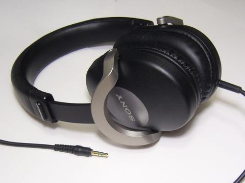 SonyMDR-ZX700.jpg