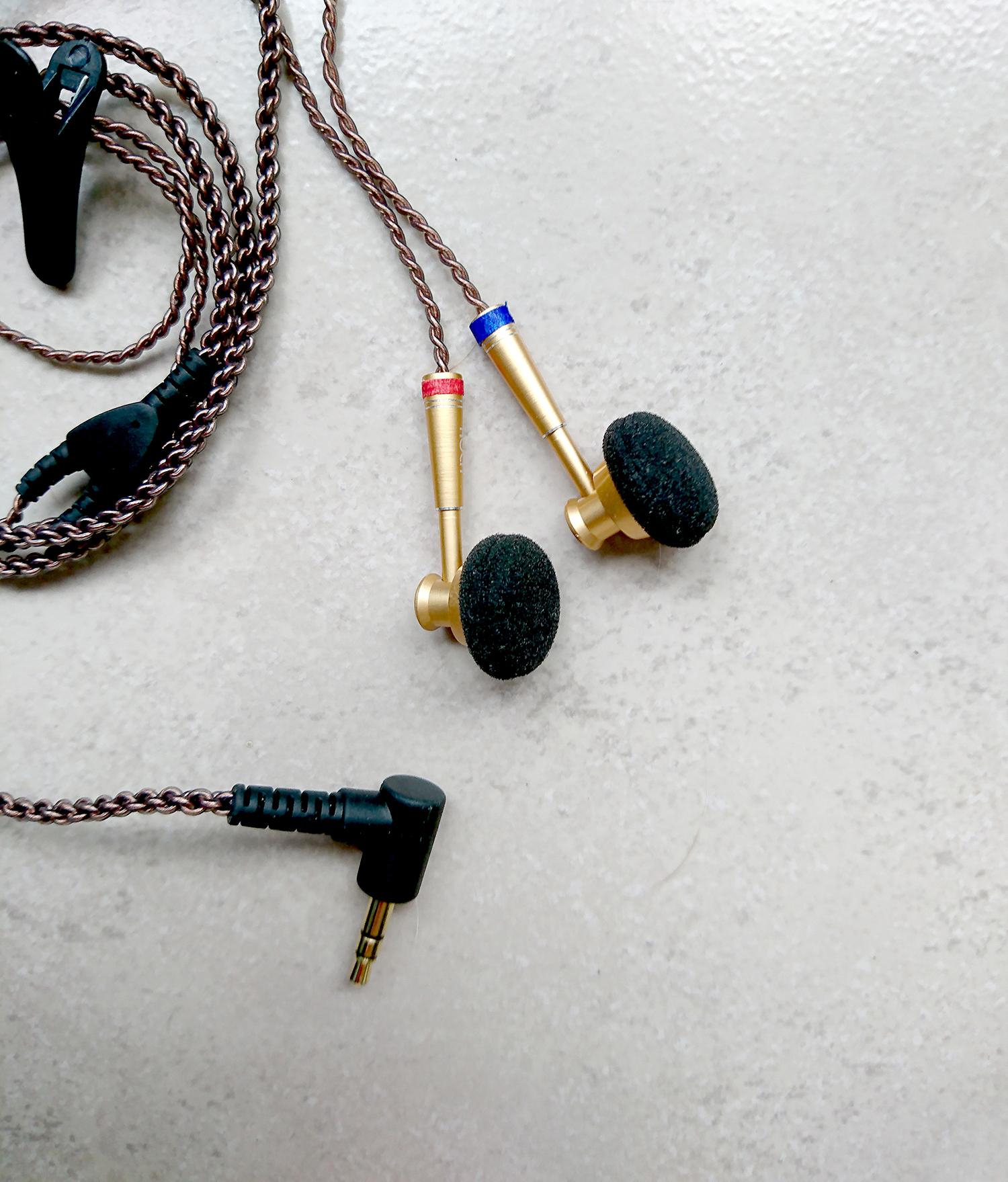 earphones_small.jpg