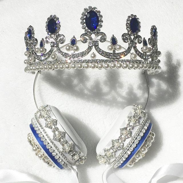 Blue-headphones.jpg