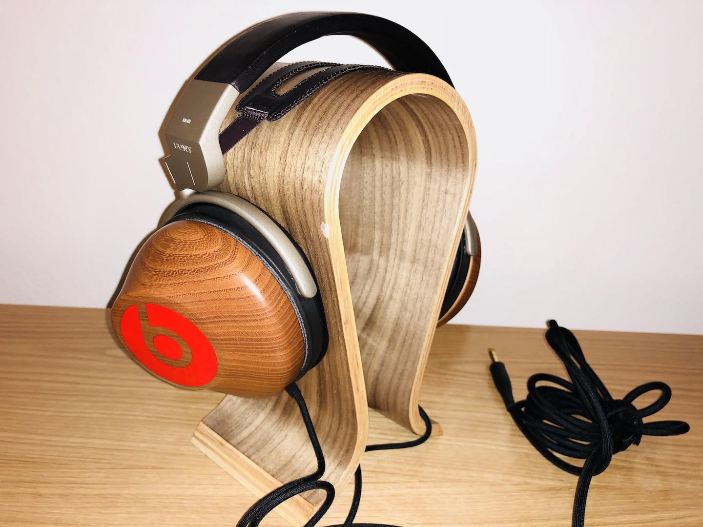sony mdr-r10.png