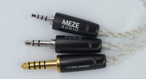 Meze-Ria-Penta-cable-jacks.JPG