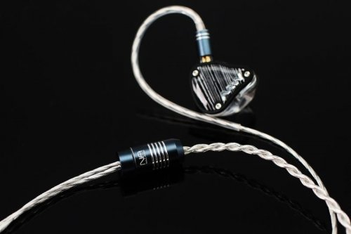 Advanced AcousticWerkes AAW ACH Ceramic Universal In-Ear Monitor