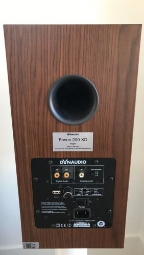 1467164-dynaudio-focus-200-xd.jpg