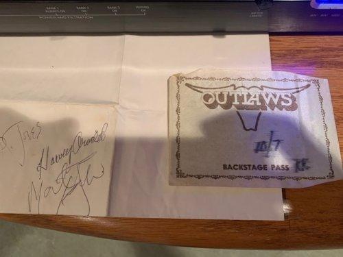 outlaws.jpg