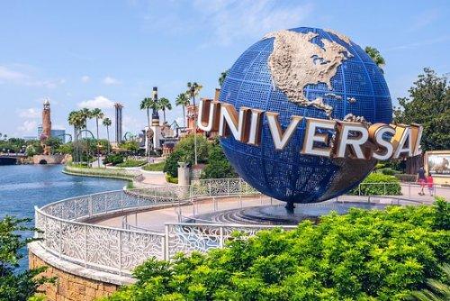 universal-studios-entrance.jpg