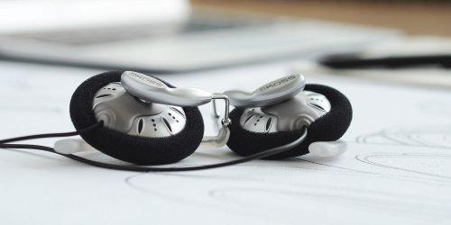 banner_koss_headphones_ksc75_earclips_1.jpg