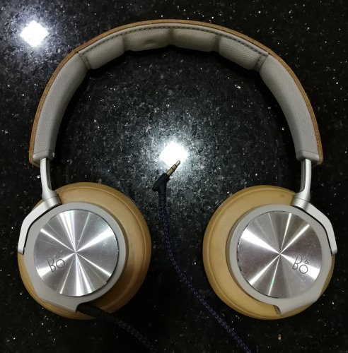 B&O H6 v1 34Ω_V-Moda Audio Only Cable.jpg