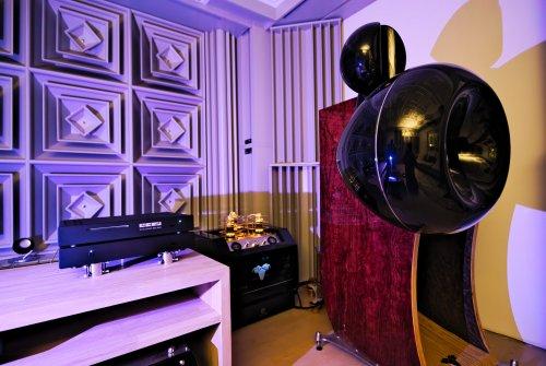 Aries-Cerat-demo-room.jpg