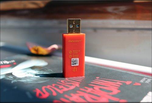 iFi-iDefender-PLUS-idefender+-3.0-USB-Grounding-Loop-Insulator-Power-Injector-Audiophile-Heave...jpg
