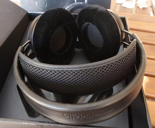 Philips Fidelio X2 4.jpg