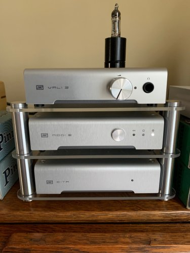 Schiit Mini Rack.jpg