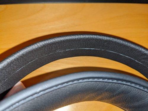 Philips Fidelio X3 leather headband.jpeg
