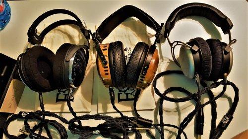 Headphones-01.jpg