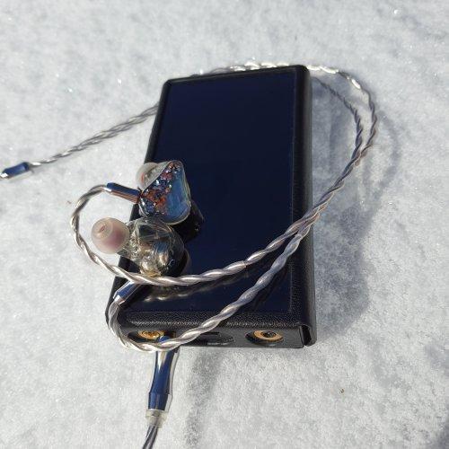 Snow_M11onarchy-PRO.jpg