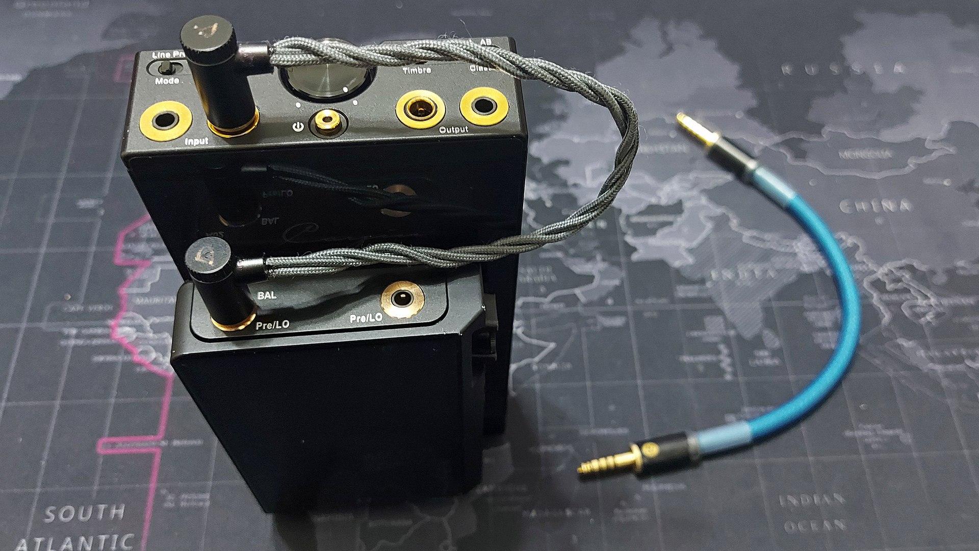 4.4mm L connector.jpg