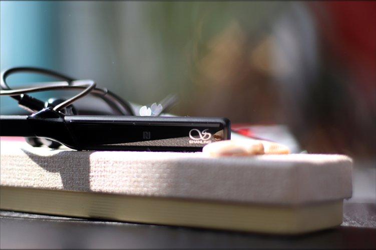 Shanling-MW200-Neckband-Bluetooth-Adapter-Receiver-aptX-LDAC-Review-Audiophile-Heaven-26.jpg