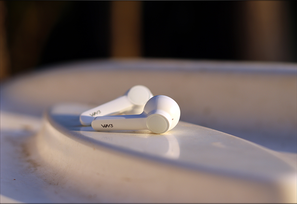 Hiby-WH3-WH-Three-TWS-Earbuds-IEMs-Earphones-LDAC-apt-X-Hd-LL-lossless-lossy-Review-Audiophile...jpg