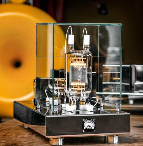 Silvercore TB3:1000 amplifier.jpg