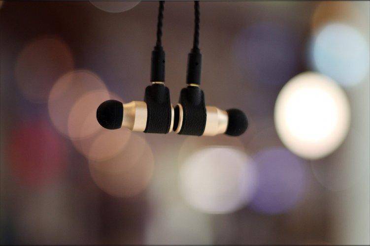 X5i High Fidelity 5-Driver In-Ear Headphones