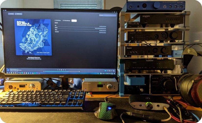 Desk.2021.05.jpg
