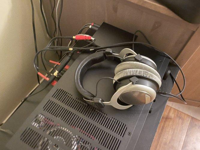 speaker tapped.jpg