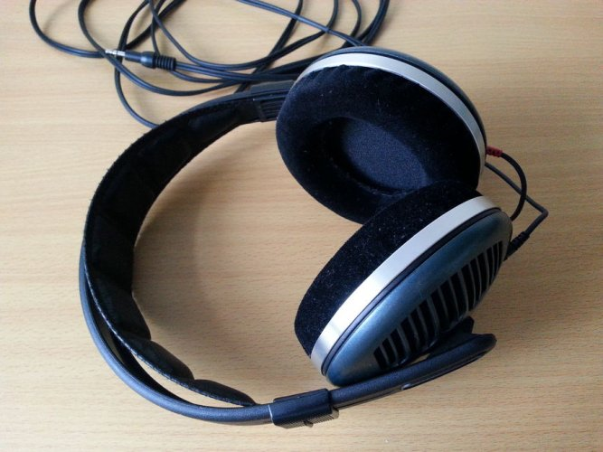 HD540II_with_refoamed_pads.jpeg