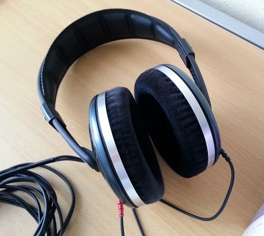HD540II_earpads_thickened.jpg