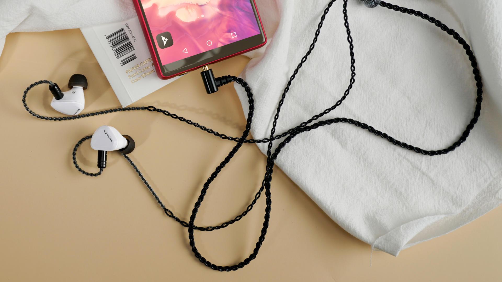 IT00 housings-cable.jpg