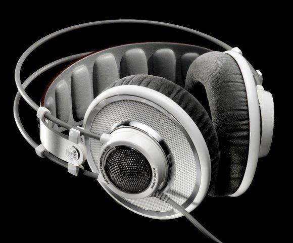 akg-k701-studio-headphones-thumb-580x481.jpg