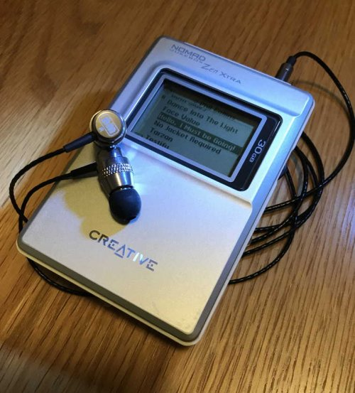 Creative Nomad Jukebox Zen Xtra and NarMoo S1.jpg