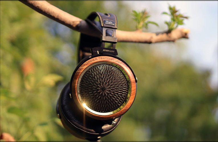 Sendy-Audio-Peacock-Headphones-Planar-Magnetic-Flagship-China-Over-The-Ear-Review-Audiophile-H...jpg