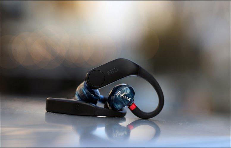 FiiO-UTWS-3-Bluetooth-Adapter-Module-LDAC-aptX-MMCX-Review-Audiophile-Heaven-11.jpg