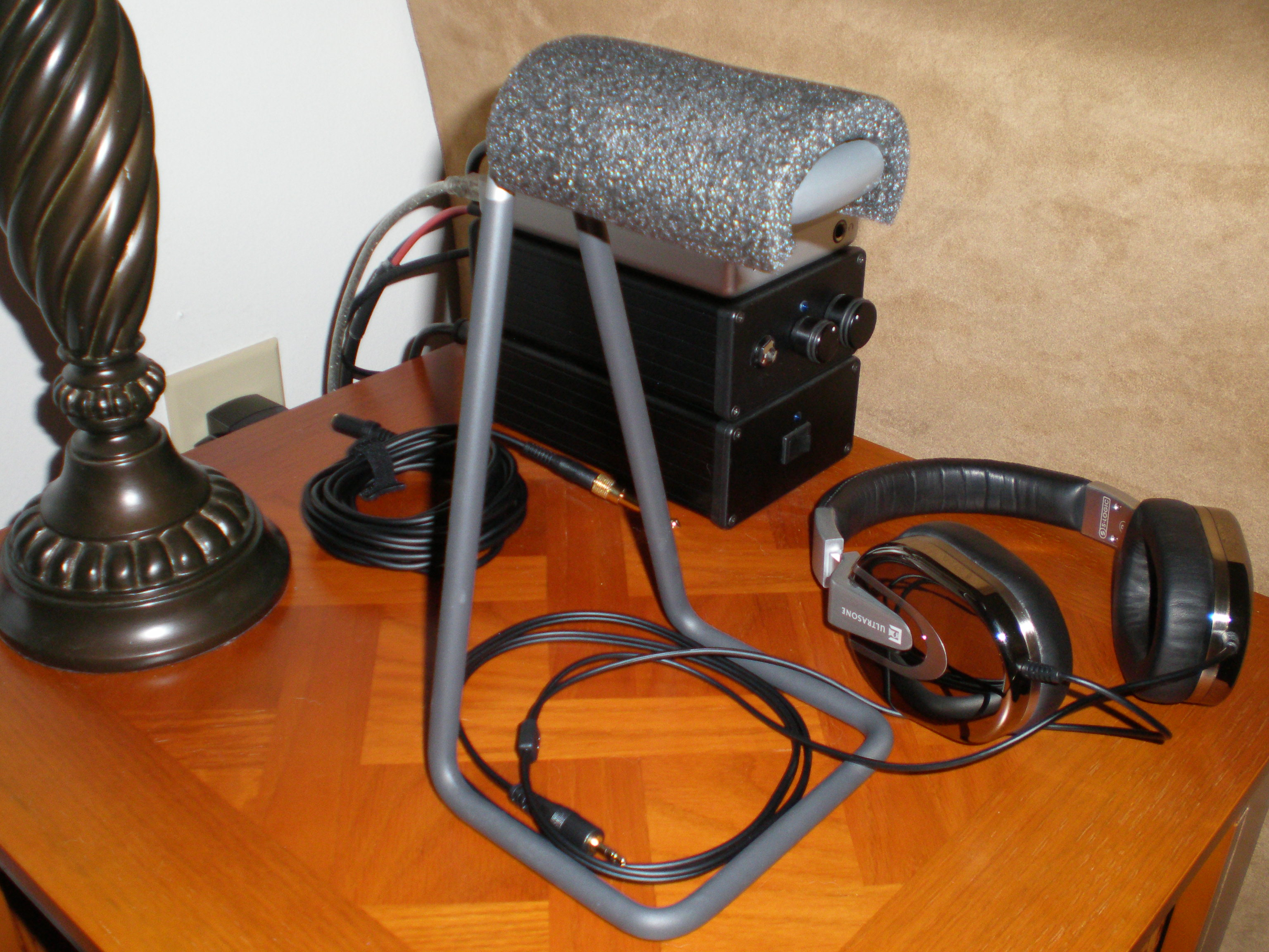 Can You Recomend A Good Quality Headphone Stand